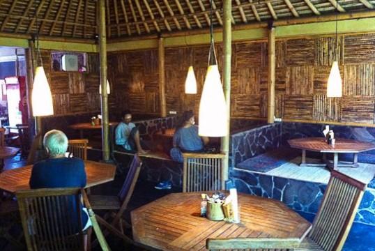 Seminyak Warung Taman Bambu