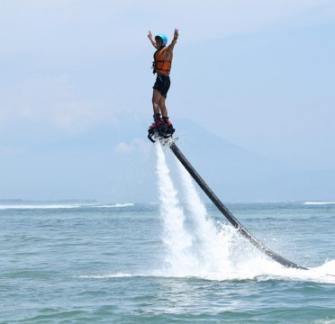 LeFly Board à Bali : une aventure hors-norme ! (Crédit photo : flyboard-bali.com)