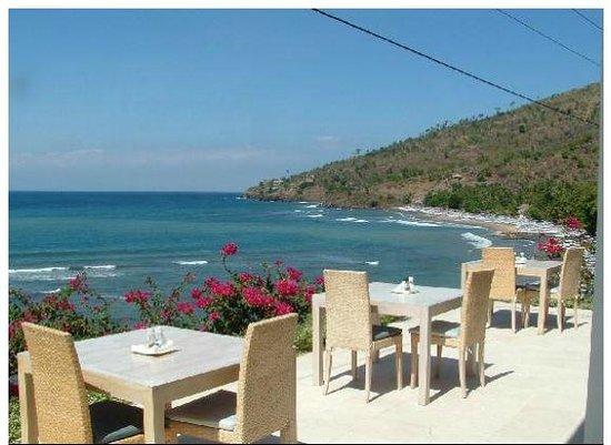 Avec une vue dégagée sur la plage, le Sails est un café-restaurant très apprécié des voyageurs. (Crédit photo : tripadvisor.com)