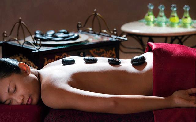 Le massage est devenu un incontournable sur l'île des Dieux. Offrez-vous à ses délices sans plus tarder ! (Crédit photo : balispaguide.com)
