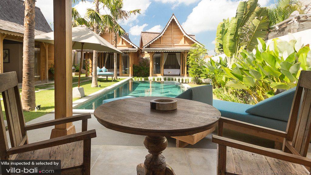 Avec ses bungalows privatifs, la villa Du Bah donne une tonalité intimiste à vos moments de détente. (Crédit photo : www.villa-bali.com)