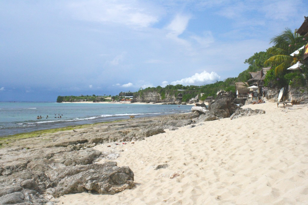 Bingin beach - surf à Uluwatu - Uluwatu