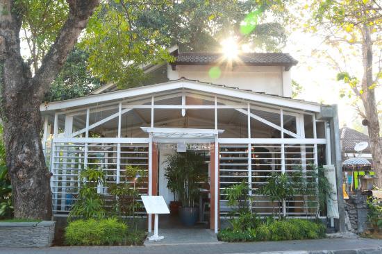 The glass house - Brunch à Sanur