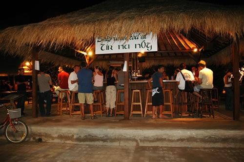 Tir Na Nog - bars à Gili