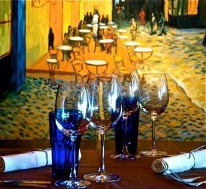 Le décor du Vincent's s'inspire des oeuvres de Vincent Van Gogh, pour le plus grand plaisir des amateurs d'art.