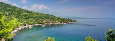 La vue sur la baie qui environne Candidasa a de quoi couper le souffle. (Crédit photo : oovatu.com)