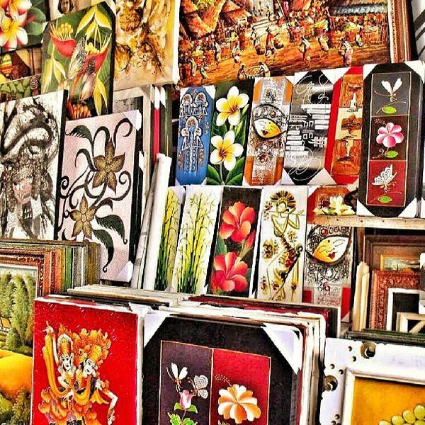 Sur le marché de Guwang, de nombreuses œuvres sont vendues par les artistes eux-mêmes. (Crédit photo :www.pusuy.com)