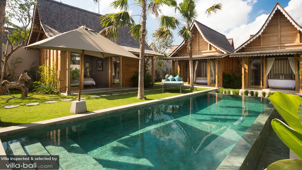 Avec son architecture d'inspiration traditionnelle, la villa Du Bah assure un séjour de rêve à un petit prix ! (Crédit photo : villa-bali.com)